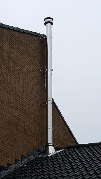 RVS dubbelwandig rookkanaal op dak maken