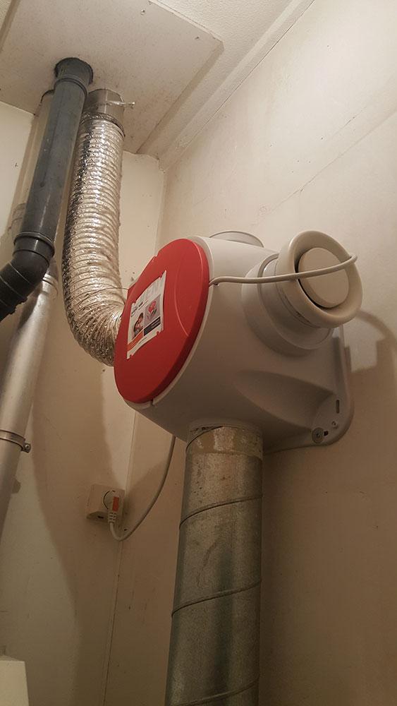 het-plaatsen-van-een-nieuwe-ventilatie-box