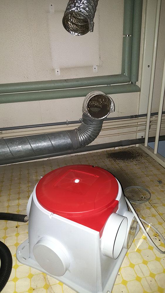 nieuwe-ventilatie-box-wordt-geplaatst
