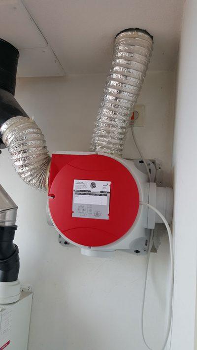 plaatsen-van-een-nieuwe-ventilatie-box-