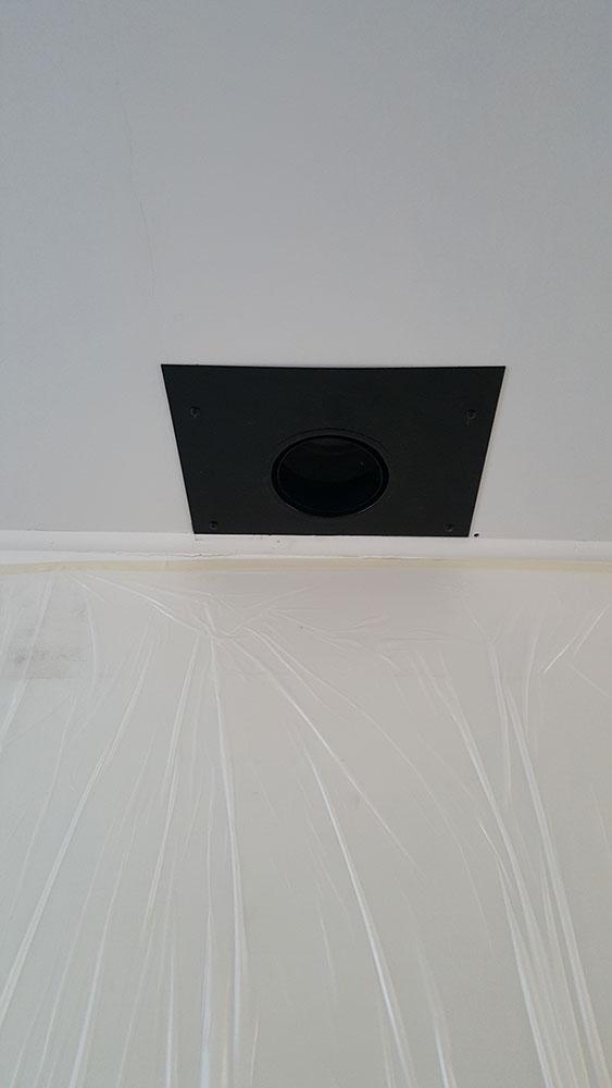 plafondplaat-met-nisbus-rookkanaal-plaatsen